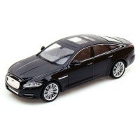 Jaguar XJ (2010) modell 1:36 fekete Welly makett